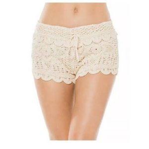 Surf Gypsy Women's crochet short cream
